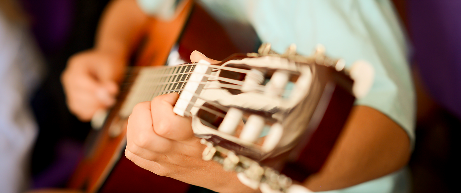 What do private guitar lessons cost ?